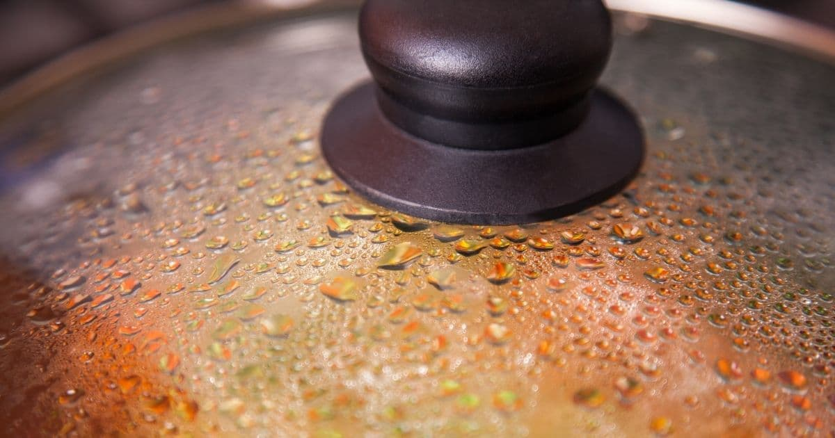 A saucepan's lead with condensation inside