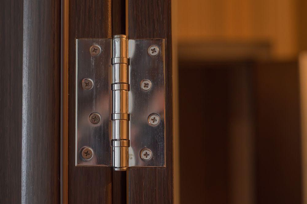 Install door hinges (1)