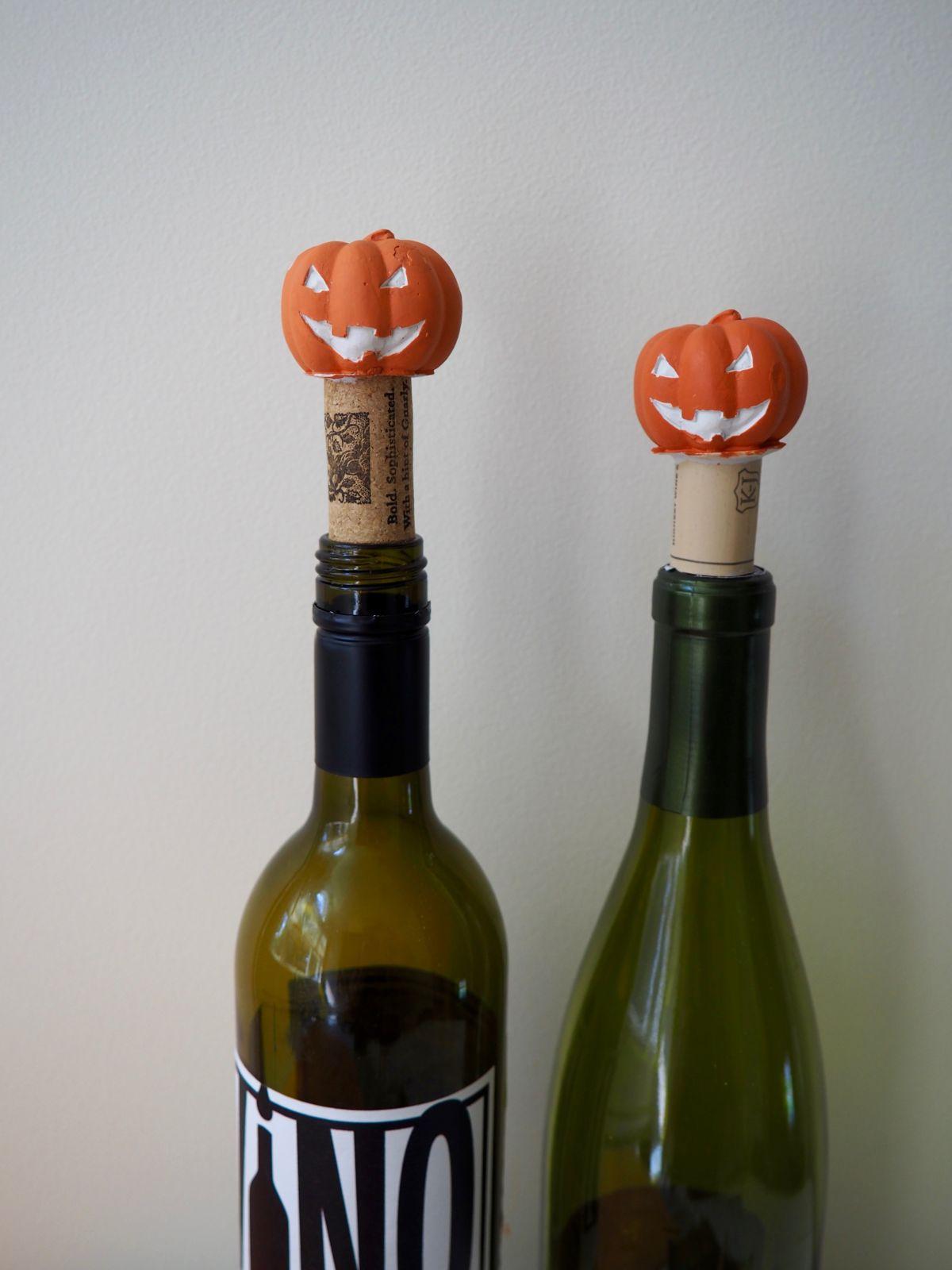 Diy halloween decor jack o lantern wine stopper