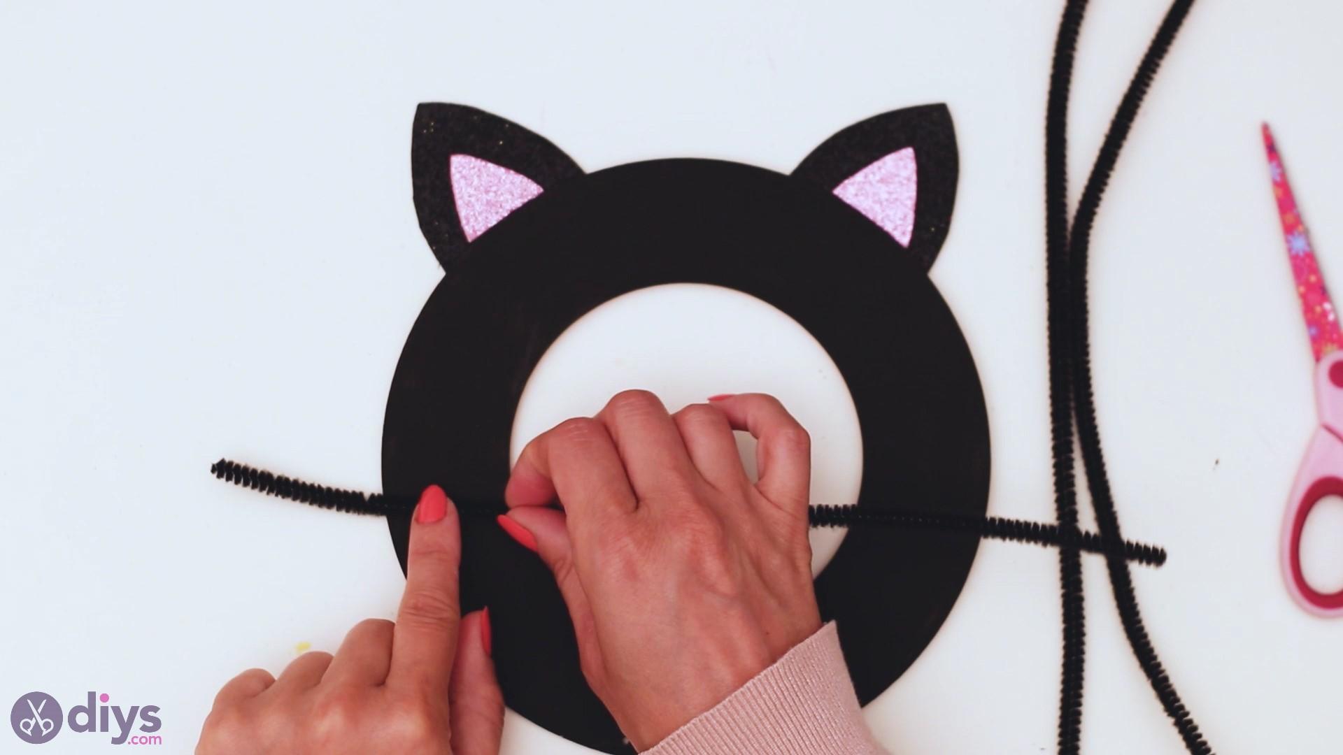 Halloween cat wall decor steps